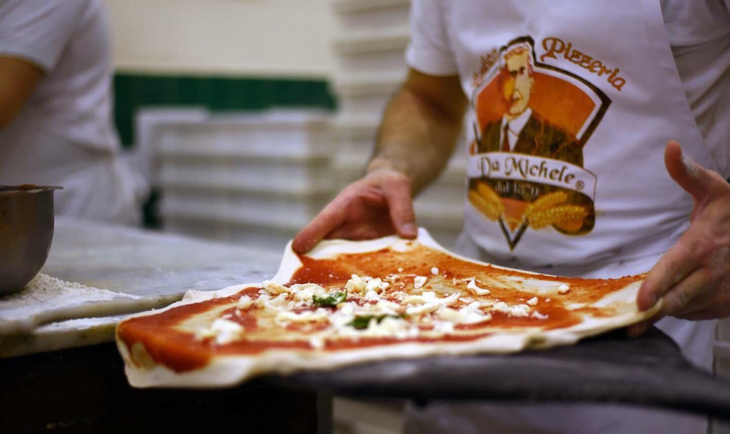 L'Antica Pizzeria da Michele punta su giovani e  territorio con borse di studio e progetti di solidarietà