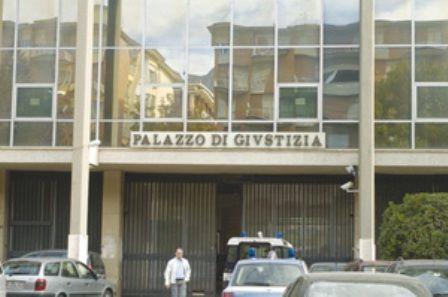 foto articolo detenuto muore in udienza