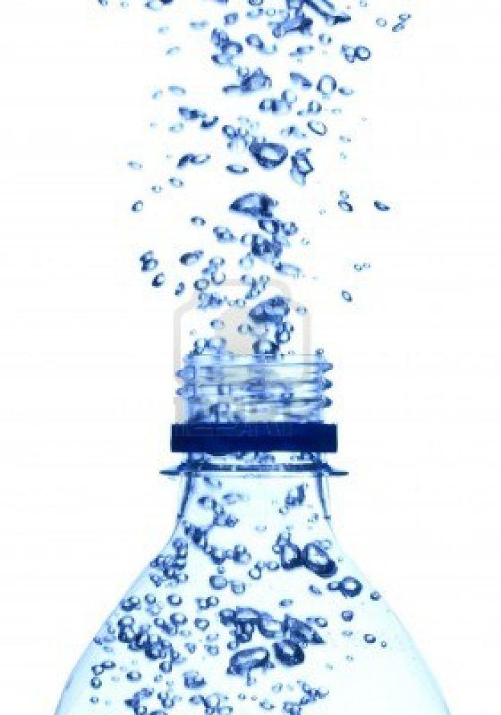 Napoli - la vendita dell'acqua in bottiglia aumenta al 60%