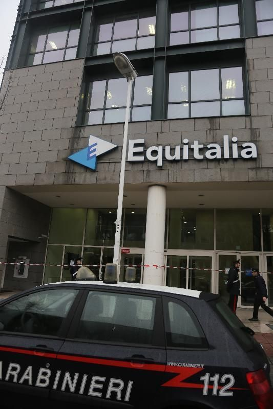 Pacco bomba a Equiltalia in Via dell'Innovazione a Milano