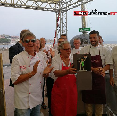 """Al Bufala Fest trionfa la pizza delle """"Centenarie"""": la tradizione vince ancora"""