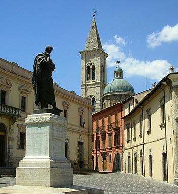 Sulmona, città natale del poeta augusteo Publio Ovidio Nasone