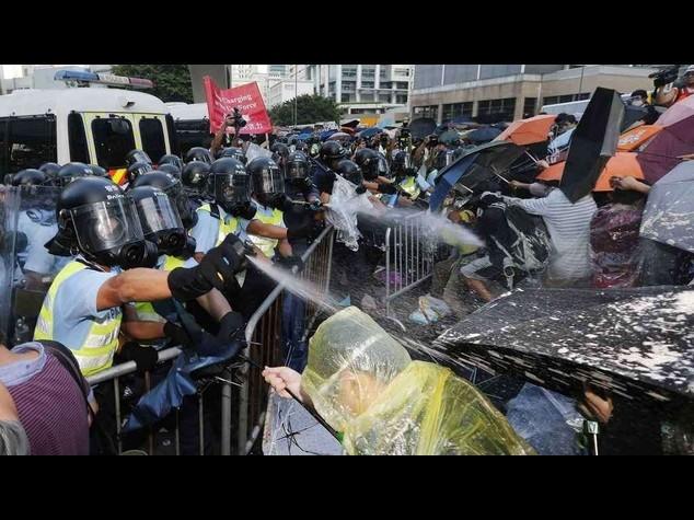 Trump chiede incontro a Xi Jinping per risolvere rapidamente la crisi di Hong Kong
